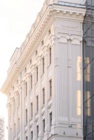 Małachowski Square - Odtworzona historyczna fasada
